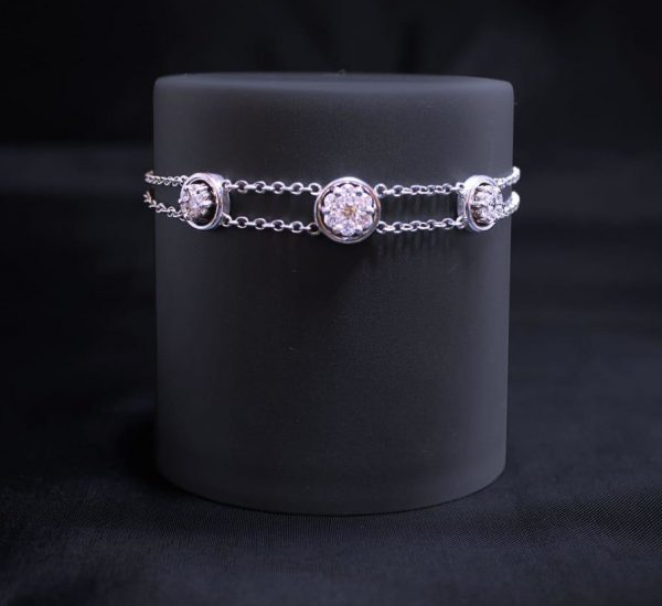 18ct 3 Diamond White Gold Bracelet Cropped